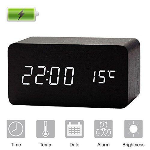 gerhannery LED Alarma Reloj de madera reloj despertador digital con batería incorporada recargable, USB de escritorio reloj con temperatura FECHA y 3 alarmas, control de sonido Reloj de mesilla con 3 Ajustable luminances
