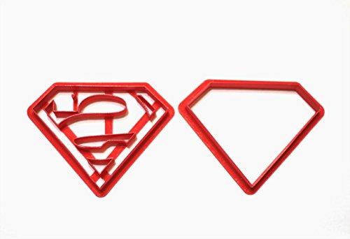 absolutem Comics Super Hero. Superman Logo Cookie Cutter Set. Verschiedene Größen leicht zu verwenden. Ideal für Fondant Kuchen Decor. Genießen Sie Ihren Kuchen zu dekorieren. Made in USA 3 inch (Batman Cake Pops)
