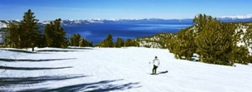 The Poster Corp Panoramic Images - Tourist skiing in a ski resort Heavenly Mountain Resort Lake Tahoe California-Nevada Border USA Photo Print (45,72 x 17,78 cm)