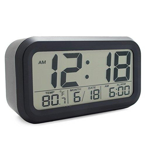 JCC batteriebetriebener Reisewecker LED Digital-Wecker mit extra großem Display, 5 Minuten Snooze, Temperatur, Datumsanzeige, und Lichtsensor Nachtlicht - schwarz