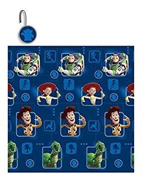 Das 13-teilige Disney Toy Story Clubhaus Dusche Vorhang und Haken Set