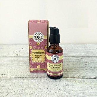 QUOTIDIANO Riequilibrante organico crema idratante infuso con Neroli, EQUILIBRANTE Rosa Geranio & Ho foglia, E NUTRIENTE Benzoino & Patchouli OLII ESSENZIALI