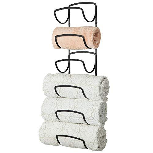 mDesign praktischer Handtuchhalter aus Metall - rostfreier Handtuchständer fürs Badezimmer mit sechs Fächern - platzsparendes Badzubehör zur Wandmontage - schwarz -