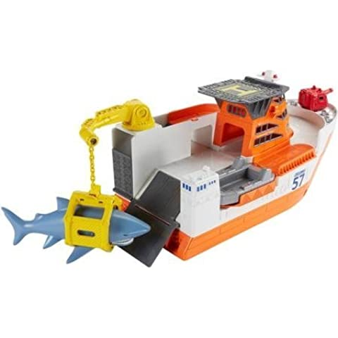 Matchbox Car-Go Commander Shark Ship, Floats in Water and Rolls on Land by Matchbox