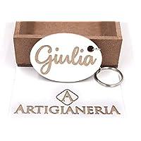 ArtigianeriA - Portachiavi in legno, personalizzato con nome in corsivo a scelta. Realizzato a mano interamente in Italia. Idea regalo per ogni occasione.
