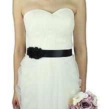 Vestido negro con cinturon flores