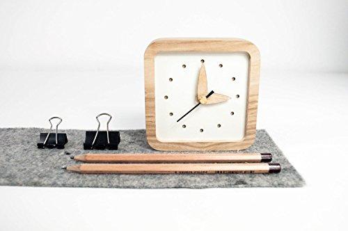 Kleine hölzerne Tisch Uhr - einzigartige Eichen Holz Uhr - quadratische Tisch Uhr - weiße Tisch Uhr - exklusives Business-Geschenk mit Logo (Weiß Holz Quadratischen Tisch)