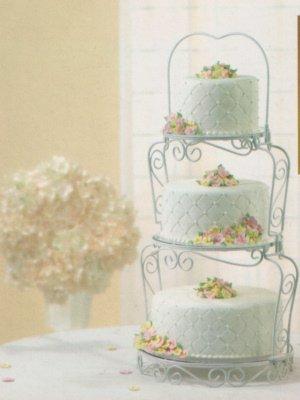 Preisvergleich Produktbild Graceful Tiers Cake Stand by Wilton