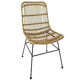 KOSMI – Chaise style NATURE aspect rotin en résine tressée et pieds en métal noir