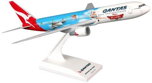 skymarks-skr754-qantas-boeing-767-300-disney-planes-film-1200-snap-fit-model