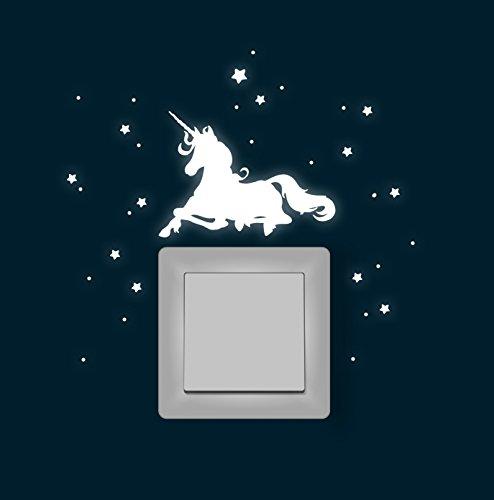 ilka parey wandtattoo-welt® Wandtattoo Wandaufkleber Lichtschaltertattoo Leuchtsticker Aufkleber Einhorn liegend mit Sterne und Punkten fluoreszierend M1620