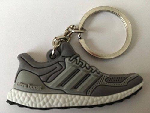 Preisvergleich Produktbild Adidas Ultra Boost Schlüsselanhänger Grau-Weiß Sneaker Keychain