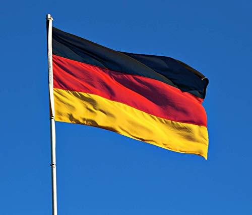 Freitag Abend Deutschland Fahnen Set: WM Deutschlandfahne 150 x 90 cm + Hawaiikette + Tattoos