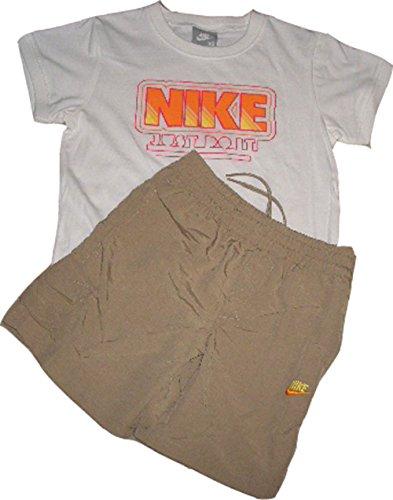Nike Little Boy`s Set. Rundhals T-Shirt & Short. Elastisches Bündchen. Kordelband. 100% Baumwolle. Little Boys` XL = 122-128 cm ca 7-8 Jahre (Baumwolle Khaki Nike)
