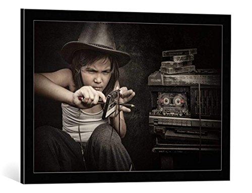 Kunst für Alle Cuadro con Marco: Arief Siswandhono upss i ve Broken The Cassette - Impresión artística Decorativa con Marco, 75x50 cm, Negro/Canto Gris