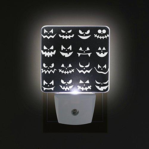 COOSUN Scary Halloween Kürbis-Gesichter Plug-in LED-Nachtlicht Selbst-Sensor Smart-Dämmerung bis Dämmerung dekorativer Nacht für Schlafzimmer, Badezimmer, Küche, Flur, Treppen, Flur, Baby Zimmer, En