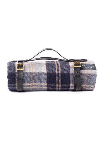The Tartan Blanket Co. Picknickdecke aus recycelter Wolle mit schwarzem Lederband - Bannockbane Silver (140 x 190cm)