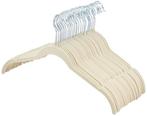 AmazonBasics - Perchas de terciopelo para camisas/vestidos - Paquete de 30, Marfil