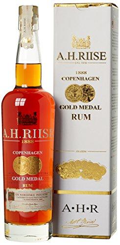 ah-riise-1888-copenhagen-gold-medal-rum-mit-geschenkverpackung-1-x-07-l