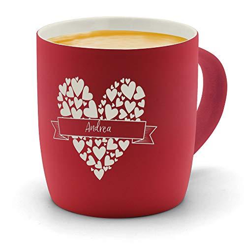 printplanet - Kaffeebecher mit Namen Andrea graviert - SoftTouch Tasse mit Gravur Design Herzbanderole - Matt-gummierte Oberfläche - Farbe Rot