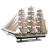L'Amerigo Vespucci (1930) che porta il nome di un celebre navigatore italiano, è il più antico veliero-scuola della marina italiana. Utilizzato per la formazione di studenti ufficiali. È uno dei più grandi velieri della scuola militare al mondo. Mode...