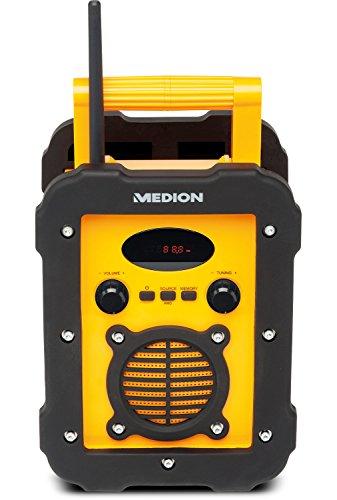 MEDION E66262 Spritzwassergeschütztes Freizeitradio/Baustellenradio, IP441, UKW/MW Radio, 50 Watt Lautsprecher, Aux Eingang, Gelb