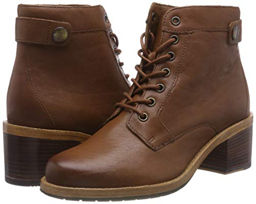 Clarks Women's Clarkdale Tone Ankle Boots 5