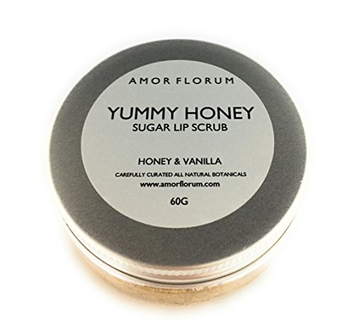 YUMMY HONEY - EXFOLIANTE DE AZÙCAR PARA LABIOS con MIEL & VANILLA y ACEITE DE JOJOBA & VITAMINA E - 60g - de AMOR FLORUM. Rico y natural exfoliante de azùcar. Este exfoliante de azùcar exfolia y pule los labios, mientras que la vitamina E y el aceite de jojoba nutren.