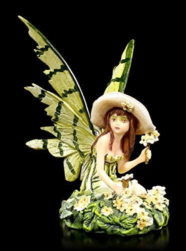 Fantasy Elfen Figur - Eria sitzend mit Sonnenhut | Dekofigur, Handbemalt