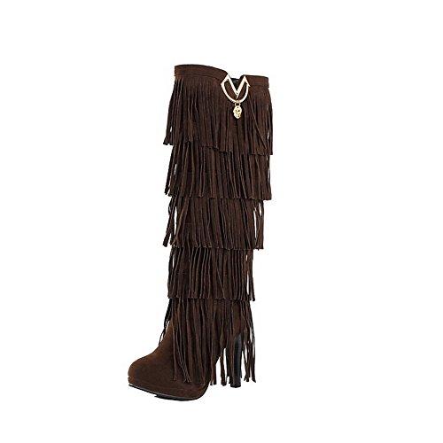 AllhqFashion Damen Mittler Absatz Hoch-Spitze Eingelegt Ziehen auf Stiefel mit Anhänger, Braun, 36