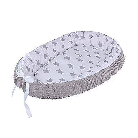 LULANDO multifunktionales Babynest Kuschelnest Babynestchen MINKY (80 x 45 cm). Weiches und sicheres Baby-Reisebett Babybett Nestchen für Neugeborene. Farbe: Grey Stars / Grey