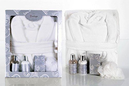 Bademantel im Wellness Set - mit Duschgel, Badesalz und Bodylotion - MANDEL - Geschenkset