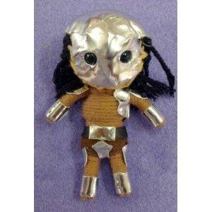 Die Predator String Doll Voodoo-Puppe Schlüsselanhänger Glücksbringer