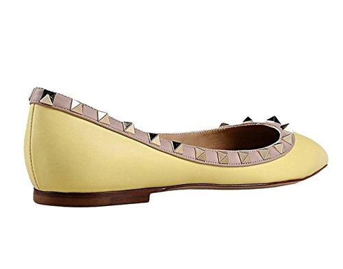 Arc-en-Ciel Damenschuhe spitzen Zehe Niet Lackleder Wohnungen Yellow