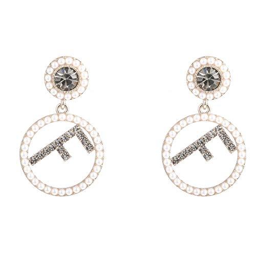 Einfache und süße wilde Buchstaben Imitation Perle Silber Nadel Ohrringe weibliche elegante Temperament Persönlichkeit Ohrringe