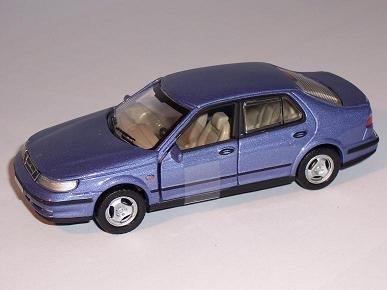 saab-95-9-5-limousine-sedan-blau-blue-1-43-cararama-modellauto-modell-auto