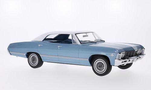 chevrolet-impala-sport-sedan-metallic-hellblau-weiss-1967-modellauto-fertigmodell-greenlight-118