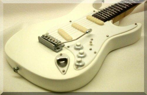 jeff-beck-miniatura-guitarra-white