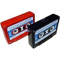 Preisvergleich für Spardose Motiv Kassette in schwarz blau weiss 18cm x 5 cm x 12 cm Musik Retro Vintage
