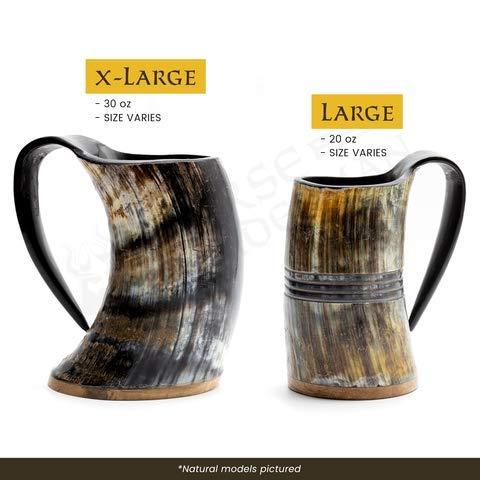 Norse Tradesman Jarra Vikinga de Cuerno Auténtico | 750 ml Taza Cerveza de Cuerno con Base de Palisandro y Grabado del Martillo de Thor | 'El Mjolnir'