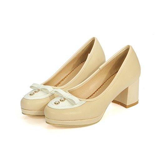 AllhqFashion Damen Mittler Absatz Gemischte Farbe Rund Zehe Ziehen Auf Pumps Schuhe Cremefarben