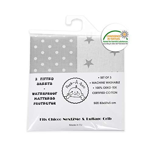 Chicco Next2Me and Lullago - 2 lenzuola con angoli per culla, con coprimaterasso impermeabile, 100% cotone certificato Oeko-Tex (set da 3, stelle bianche e grigie, dimensioni 83 x 50 x 5 cm)