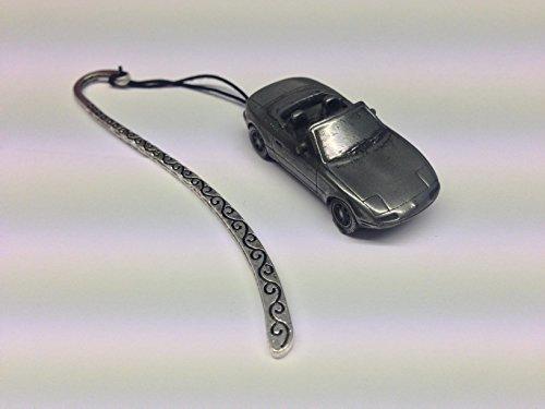 mazda-mx5-disque-main-droite-complet-voiture-sur-un-motif-marque-page-avec-cordon-ref123