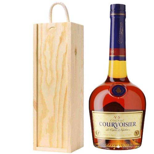 courvoisier-vs-cognac-in-wooden-gift-box