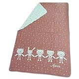 Fussenegger Baby- Schlaf- und Kinderwagendecke mit Wunsch-Name bestickt 100 cm x 150 cm MAJA Tierfreunde rouge mit Babyname personalisiert kbA
