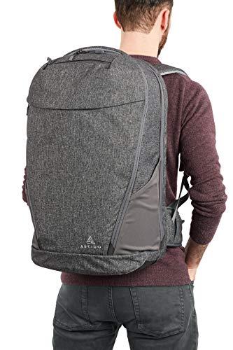 mann-mit-rucksack