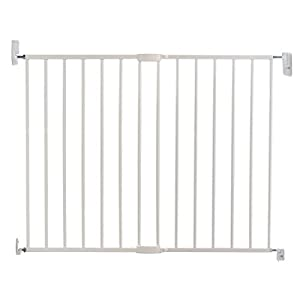 Lindam Wall Fix Extending Metal Safety Gate (Push to Shut/Easy Close) Safetots Made from premium grade wood designed to compliment all home interiors Each panel can be angled as required to make custom fit room dividing configurations This configuration comes complete with a wall mounting kit, one 80cm gate panel and one 40cm extension panel. 4