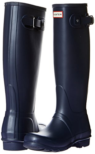 Introducing the flat-heeled Hunter Original Tall Women's Wellies that are of premium quality but they also have a premium price tag to match. These wellington boots are stylish and would definitely suit festival vibes especially when paired with the right outfit. Available in navy blue and black, the boots are made of vulcanised rubber and a nylon lining which makes removing the boots quite easily compared to some cheaper wellies.