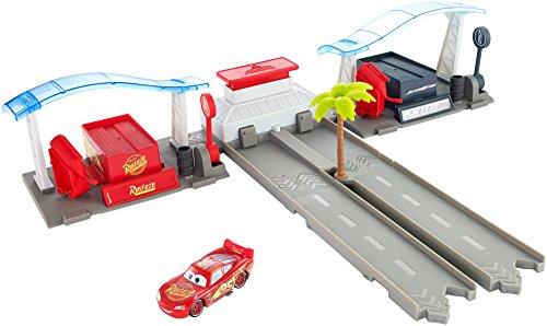Mattel Disney Cars FBH01 - Disney Cars 3 Florida Rennstrecken-Boxenstopp - Spielzeug-rennstrecke