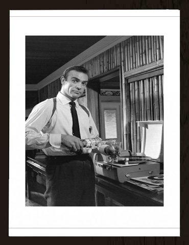 James Bond - Vodka Martini - Kunstdruck Artprint Filmposter Kino Movie James Bond - Grösse 60x80 cm + Wechselrahmen, Shinsuke® MDF schwarz, Acryl-Scheibe X 60 Kino